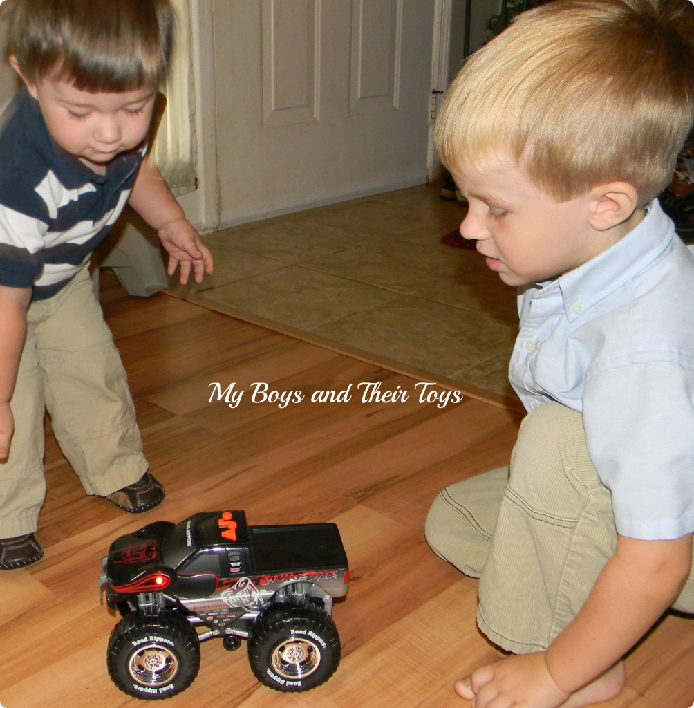 Boys And Their Toys : Toy state road rippers review and giveaway