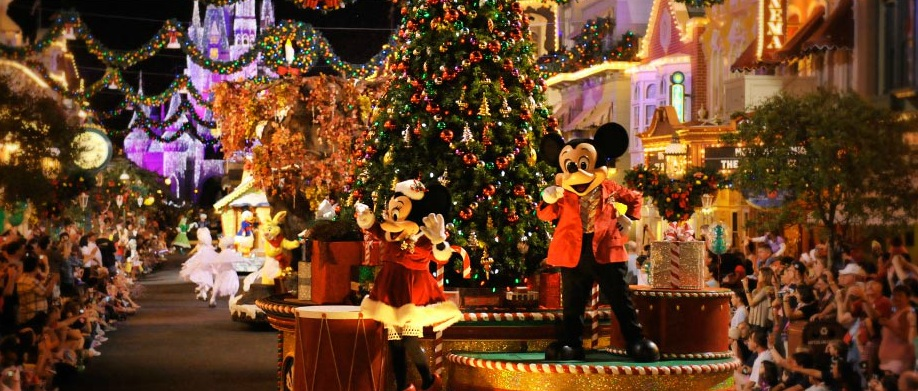 on - Mickey Very Merry Christmas