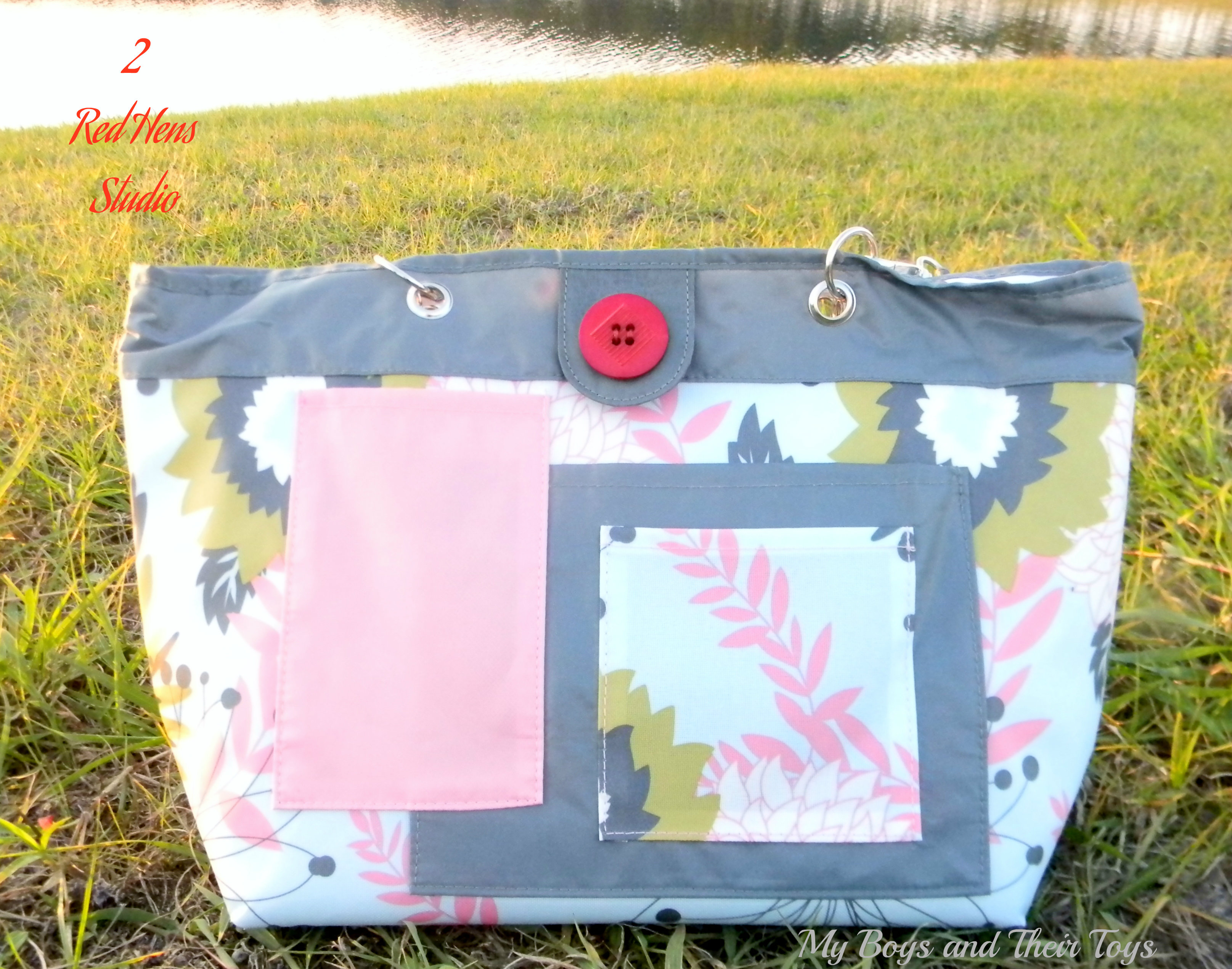2RedHens Rooster Diaper Bag Review Giveaway