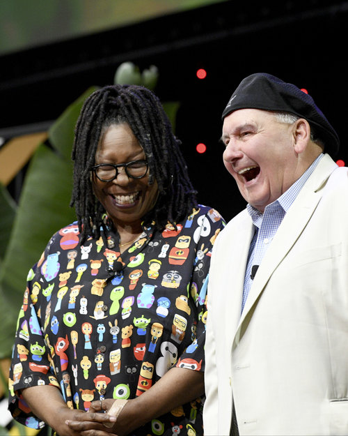 whoopi and ernie lion king