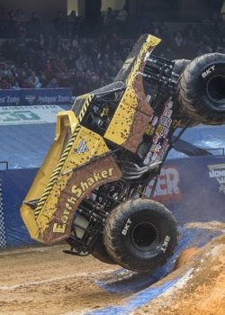 monster jam EarthShaker