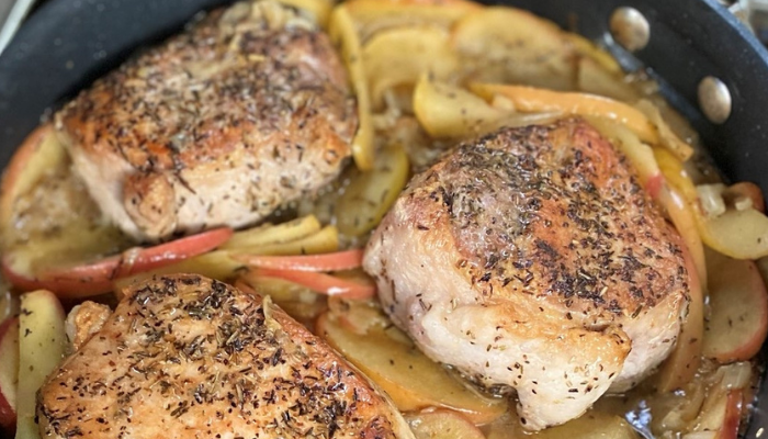 One Pan Pork Chops and Apples Recipe